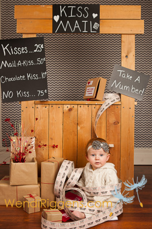 Kissing Booth Wendi Riggens Photography (1)