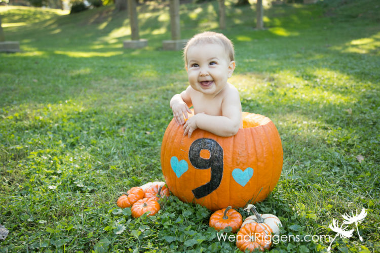 pumpkins-and-babies-in-the-park-5